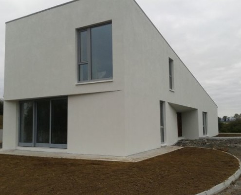 house-exterior-painting-contractor-service